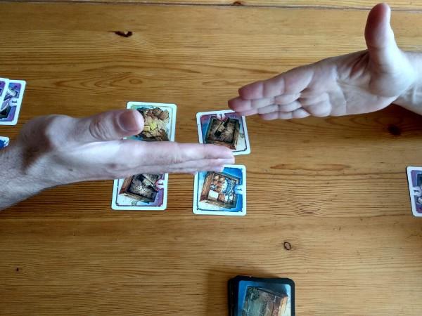 Illustration de l'exemple du jeu Dolores avec les gestes